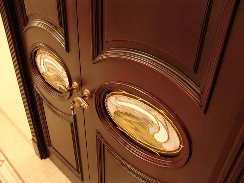 Элитные дизайнерские двери на заказ как удачное решение для любого интерьера