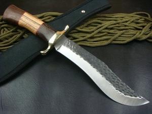 Качественный нож как атрибут настоящего охотника
