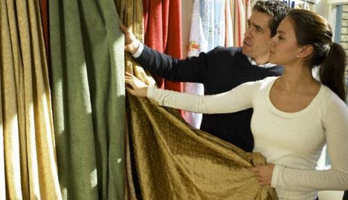 Мастера салона Komilfo-décor готовы сшить самые оригинальные шторы