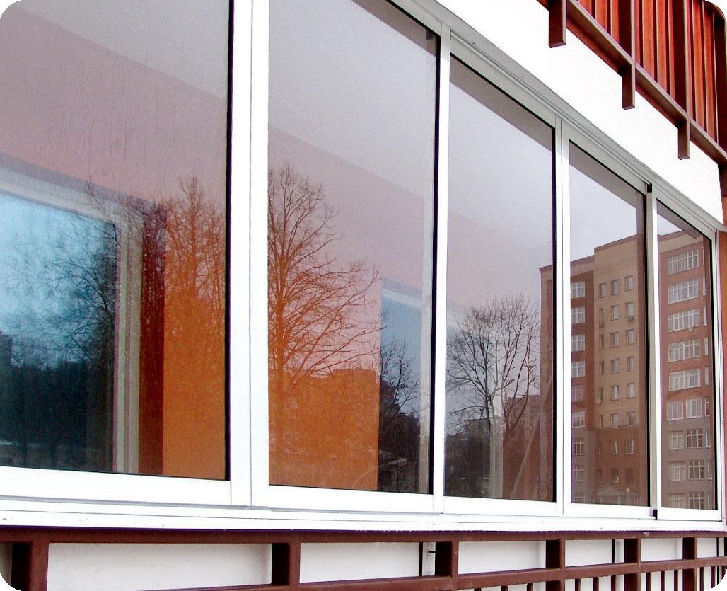 Остекление балконов: пластик или алюминий?