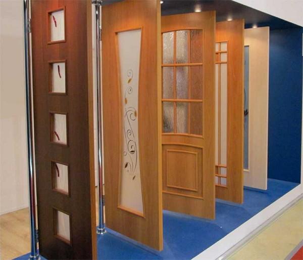 Шпонированные межкомнатные двери - особенности изготовления