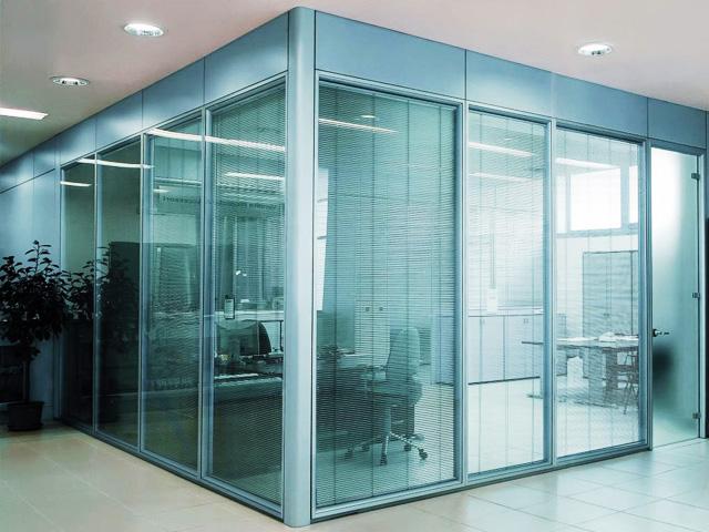 Glass Proekt – прочные и стильные стеклянные перегородки на выгодных условиях