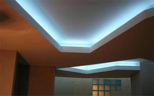 Каковы особенности полупрозрачного натяжного потолка?
