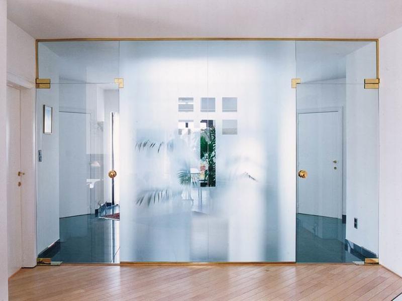 Стеклянные двери - слово современности