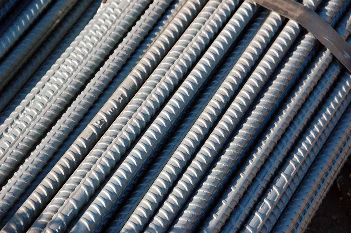 Рифленая арматура стальная область применения и преимущества
