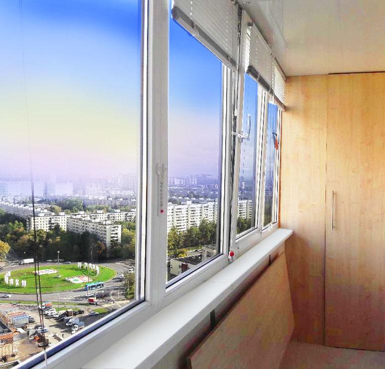 Теплое остекление балконов в Москве на долгие годы