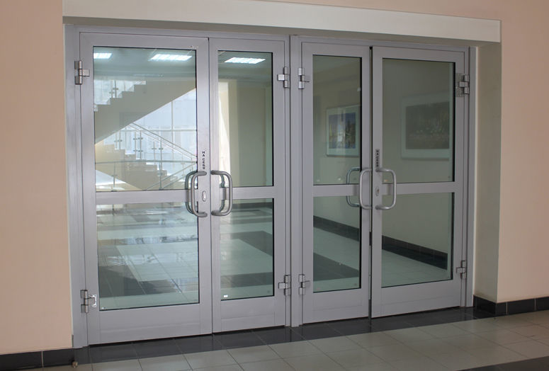 Металлические двери – дань моде или удобство?