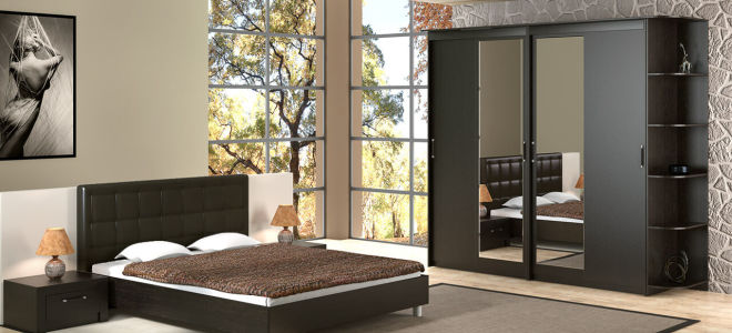 Достоинства шкафа-купе в спальне