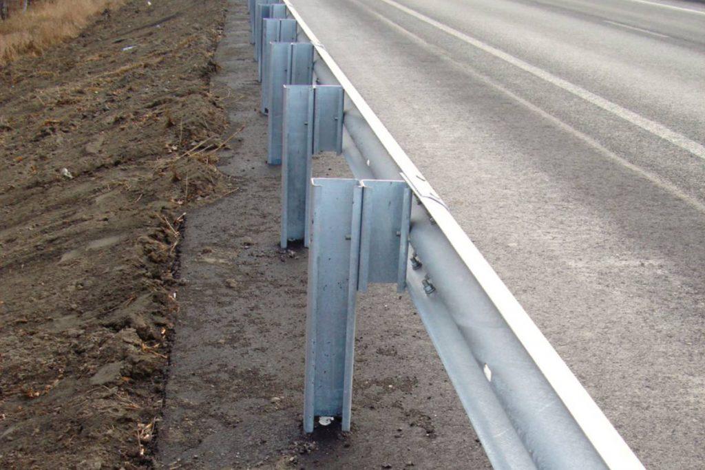 Металлические барьерные ограждения 11до и водоналивные дорожные барьеры